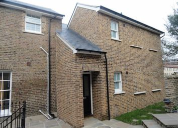 Thumbnail 1 bed flat to rent in Queen Street, Chelmsford