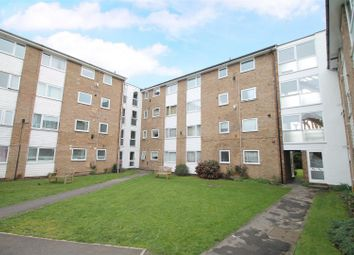 Thumbnail 2 bedroom flat for sale in Hedge Lane, Palmers Green, London