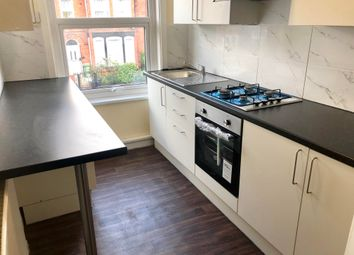 Thumbnail 4 bed flat to rent in Hamilton Avenue, Leeds