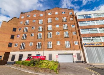 Thumbnail 2 bed flat for sale in Cheapside, Reading