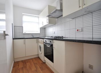 Thumbnail 1 bed flat to rent in Mayfair, Bradford
