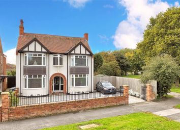 Thumbnail 4 bed detached house for sale in Bellfield Avenue, Hull, East Yorkshire