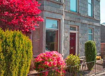 Thumbnail 3 bed flat to rent in Grosvenor Place, Rosemount, Aberdeen AB252Re