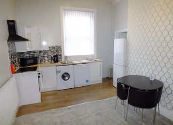 Thumbnail 1 bedroom flat to rent in Shaftsbury Avenue, Roundhay