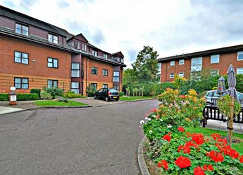 Thumbnail 2 bed property for sale in Roseacre Gardens, Welwyn Garden City, Hertfordshire