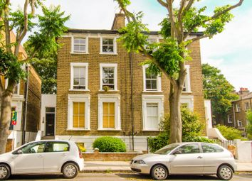Thumbnail 1 bed flat for sale in Oakley Road, Islington
