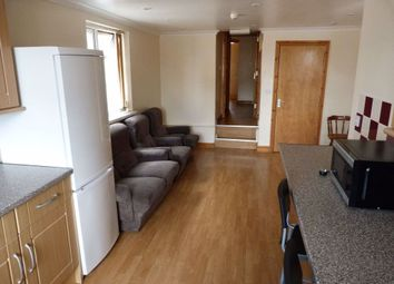 3 bed flat to rent in Crwys Road, Cathays, Cardiff CF24