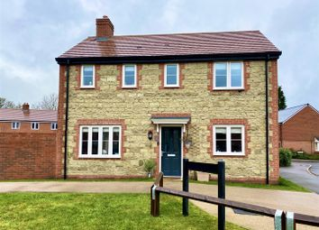 Otter Walk, Petersfield GU32. 3 bed detached house for sale