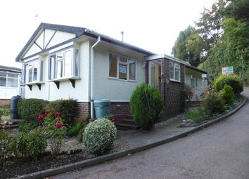 2 bed mobile/park home for sale in Hartridge Farm Park, Lower Road, East Farleigh, Maidstone, Kent ME15