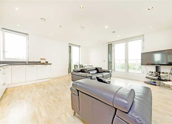 Thumbnail 3 bed flat to rent in Junction Road, London