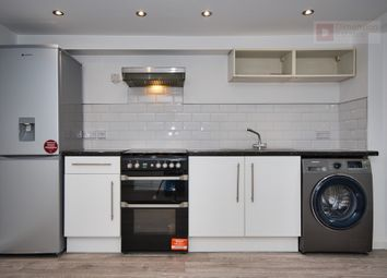 Thumbnail 1 bed flat to rent in Mildenhall Road, Hackney, Lower Clapton, London