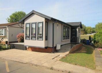 Thumbnail 1 bed mobile/park home for sale in Centre Road, Willows Riverside Park, Windsor