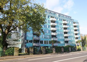 London Road, Preston, Brighton BN1. 3 bed flat for sale