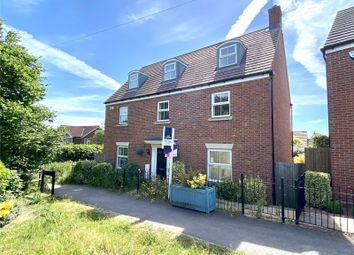 Thumbnail 5 bed detached house for sale in Swallow Walk, Hemel Hempstead, Hertfordshire