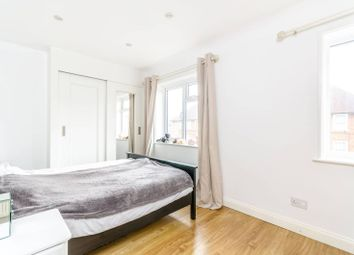 3 bed property for sale in Waters Road, Catford, London SE6