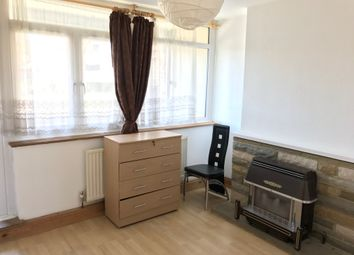 Thumbnail 3 bed flat to rent in Commodore Street, London