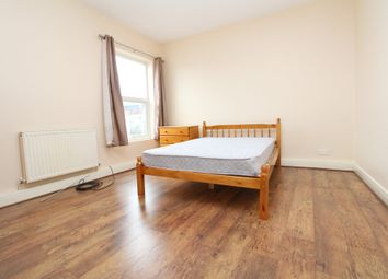 Thumbnail 3 bed flat to rent in Plaistow Lane, Bromley, Kent