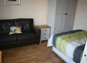 Thumbnail Room to rent in Howe Mews, Commercial Road, Eastbourne