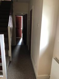 Thumbnail 2 bed flat to rent in Woodland Avenue, Luton