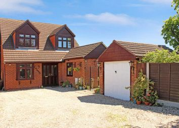Thumbnail 4 bed detached house for sale in The Briary, Wickford