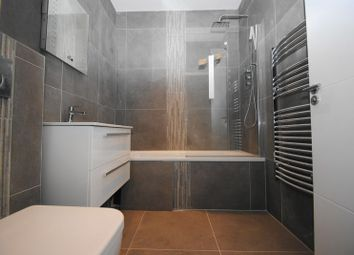 Thumbnail 2 bedroom flat for sale in High Street, Hadleigh, Essex