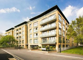 St Williams Court, Gifford Street, Kings Cross, London N1. 2 bed flat for sale