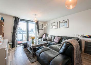 Studio Way, Borehamwood WD6. 2 bed flat