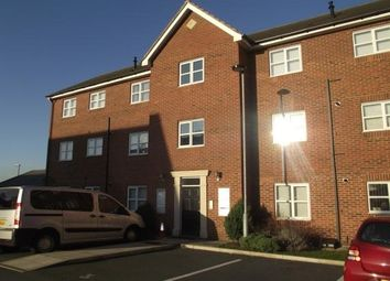 2 bed flat to rent in Lathom Court, Huyton L36