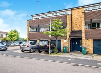 Thumbnail 2 bedroom flat for sale in Foxhill, Watford