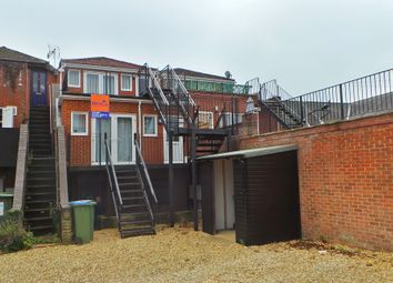 Thumbnail 2 bed flat to rent in Malthouse Lane, Fareham