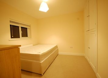 Thumbnail Room to rent in Lynwood Avenue, Egham