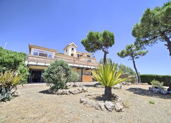 Thumbnail 4 bed villa for sale in Spain, Málaga, Estepona, Los Reales