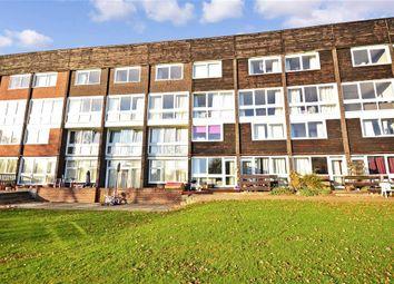 Hailey Place, Cranleigh, Surrey GU6. 3 bed flat