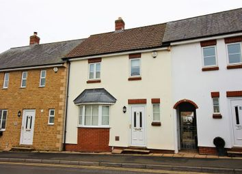 3 bed terraced house to rent in Crewkerne TA18