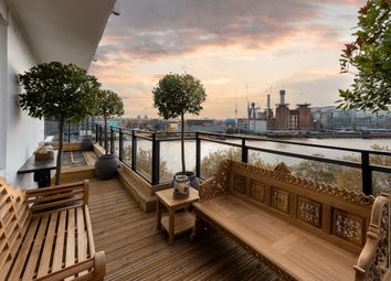 Thumbnail 1 bed flat for sale in Shelley House, Churchill Gardens, London