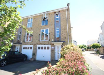 Thumbnail 5 bed town house to rent in Kingsquarter, Maidenhead