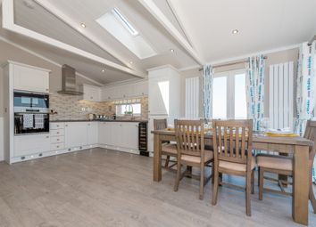 Thumbnail 2 bedroom mobile/park home for sale in Walton Bay, Clevedon