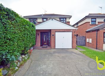 Thumbnail 4 bed detached house for sale in Ilmington Drive, Basildon