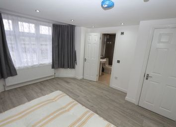 Thumbnail 6 bed shared accommodation to rent in Wanstead Lane, Cranbrook, Ilford