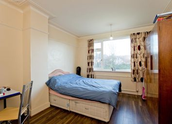 Thumbnail Room to rent in Mays Lane, High Barrnt