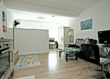 Thumbnail Studio to rent in Evening Court, Newmarket Road, Cambridge