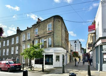 Thumbnail 1 bed flat to rent in Camden Passage, London