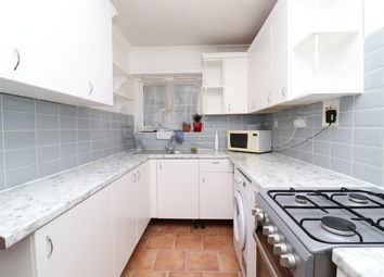 3 bed flat to rent in Palmer Road, Plaistow, London E13