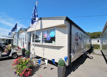 Thumbnail 2 bedroom mobile/park home for sale in Hook Lane, Warsash, Southampton, Hampshire
