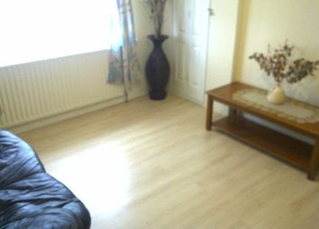 Thumbnail 1 bed flat to rent in Braund Avenue, Greenford, Middlesex