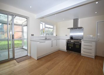 Thumbnail Semi-detached house to rent in Blenheim Close, Didcot