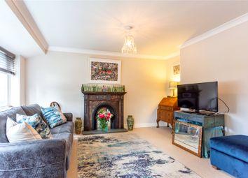 27A Westmead, Windsor, Berkshire SL4. 2 bed flat