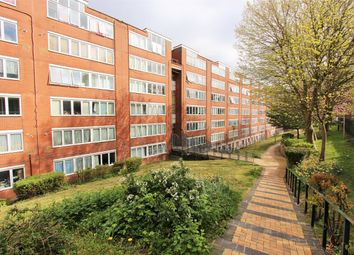 Thumbnail 3 bedroom flat to rent in Chettle Court, Ridge Road, Crouch End