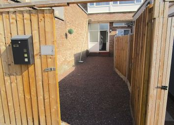 Thumbnail 3 bed flat to rent in Sandringham Road, Wordsley