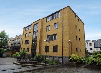Thumbnail Flat to rent in Burrells Wharf Square, London